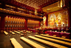 Buddhistischer Tempel-Innenraum Lizenzfreies Stockbild
