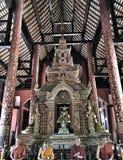 Buddhistischer Tempel und Statue in Thailand stockfoto