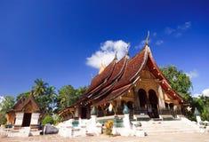 Buddish tempel runt om Laos Arkivbild
