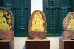 Buddismkonst på stenen Arkivfoton