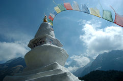 Buddist chorten in the Himalaya Royalty Free Stock Photos