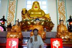 buddist inom tempelet royaltyfri fotografi