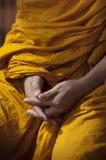 buddisten hands monken Arkivbild