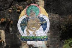 Buddisten ser till troarna och övningarna royaltyfri foto