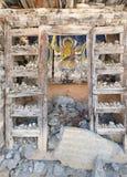 Buddistisk be vägg i landskap i den Annapurna strömkretsen som trekking Royaltyfri Fotografi