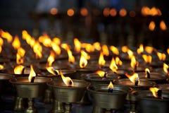 buddistisk burning undersöker tempelet Royaltyfri Foto