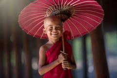 buddistisk liten monk Arkivbild