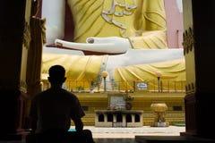 buddistisk meditation Royaltyfria Foton
