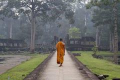 Buddistisk munk, Angkor Thom, Angkor Wat, Cambodja Arkivbild