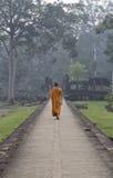 Buddistisk munk, Angkor Thom, Angkor Wat, Cambodja Arkivbilder