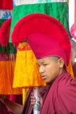 Buddistisk munk i Nepal tempelkloster royaltyfria foton