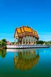 Buddistisk pagoda i den KohSamui ön, Thailand Arkivfoton