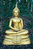 Buddistisk skulptur - den meditera Buddha Royaltyfri Fotografi