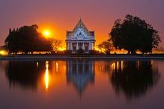 buddistisk solnedgång för landsställeövning Royaltyfri Foto