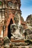 Buddistisk staty i Wat Mahathat i Ayutthaya, Thailand Arkivbild