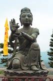 Buddistisk statydanande som erbjuder till den stora Buddha, Hong Kong Arkivfoton
