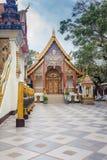 Buddistisk tempel av Wat Phrathat Doi Suthep Fotografering för Bildbyråer