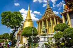 Buddistisk tempel för stor slott, Bangkok i Thailand Royaltyfri Foto
