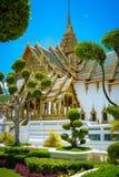 Buddistisk tempel för stor slott i Bangkok, Thailand Royaltyfria Bilder