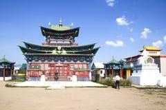Buddistisk tempel i Ivolginskyen som ?r datsan n?ra Ulan-Ude Buryatia Ryssland royaltyfri bild