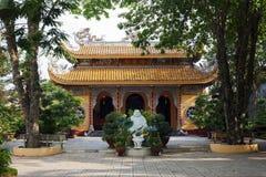 Buddistisk tempel i långa Khanh, Vietnam Arkivfoto