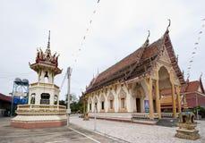 Buddistisk tempel i lantliga Thailand Arkivfoto