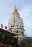 Buddistisk tempel Kek Lok Si i Penang fotografering för bildbyråer