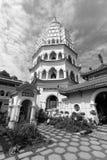 Buddistisk tempel Kek Lok Si med pagoden i Penang, Malaysia royaltyfria bilder