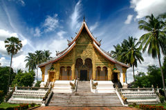 Buddistisk tempel på det hagtornKham (Royal Palace) komplexet arkivfoto