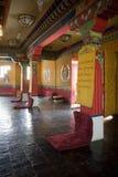 Buddistisk tempelinterior Arkivfoton