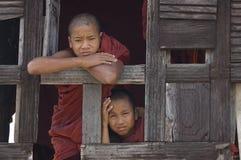 buddistiska burma monks myanmar Royaltyfri Foto