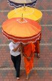 buddistiska monks arkivbild