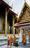 buddistiska monks thailand Arkivfoton