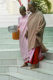 Buddistiska nunnor i Myanmar Royaltyfri Bild