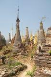 buddistiska pagodas Arkivfoto