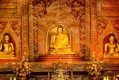 buddistiska statyer Royaltyfri Fotografi