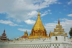 buddistiskt gammalt tempel royaltyfria bilder