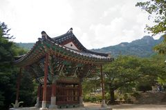 buddistiskt koreanskt tempel Arkivbild