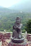 Buddistiskt lovorda för statyer royaltyfri foto