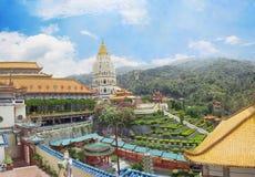 Buddistiskt tempel Kek Lok Si i Malaysia royaltyfri bild