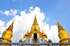 Buddistiskt tempel o för guld arkivbild