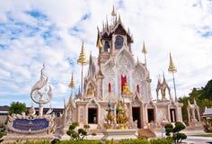 Buddistkyrka i templet Arkivfoton