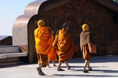 Buddistmunkar i Thailand Royaltyfria Bilder