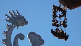 Buddyjscy dzwony trzepocze w wiatrze zdjęcie wideo