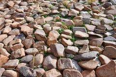 Buddyjscy modlitwa kamienie z Tybeta?skimi inskrypcjami i obrz?dkowi rysunki na ?ladzie od miasteczka Dorchen woko?o g?ry Kailash fotografia stock