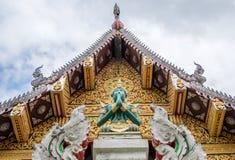 Buddyjska świątynia i statua w Chiang Mai Fotografia Royalty Free