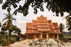 Buddyjska świątynia przy Haw Kham kompleksem w Luang Prabang (Royal Palace) (Laos) Zdjęcia Royalty Free