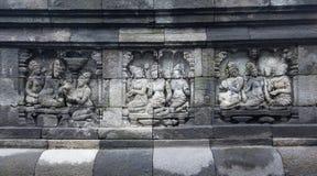 Buddyjska cyzelowanie sztuk ściana w przy Borobudur świątynią, Yogyakarta, I Zdjęcia Stock