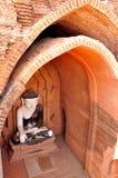 Buddyjska statua w Bagan fotografia stock