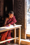 Buddyjski nowicjusz, Bagaya monaster Fotografia Stock